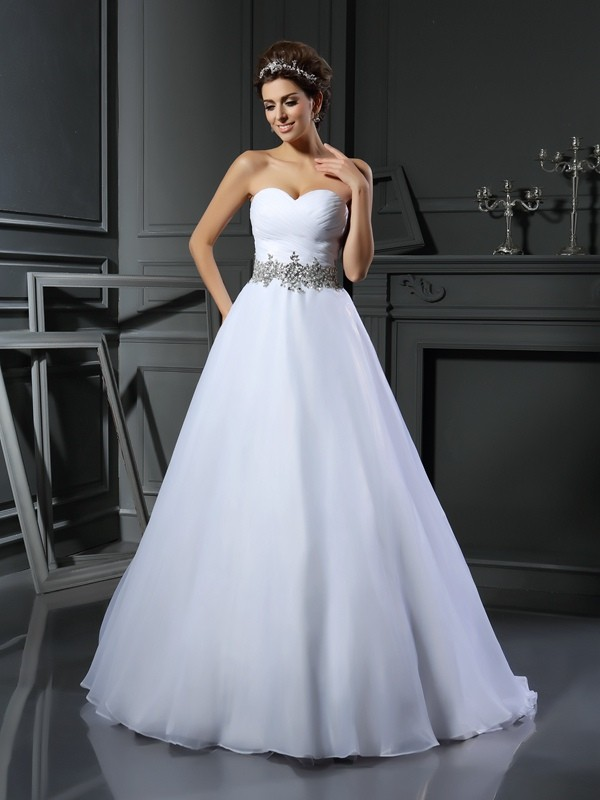 Court Train Ball Gown Sweetheart Sleeveless Beading Satin Wedding Dresses