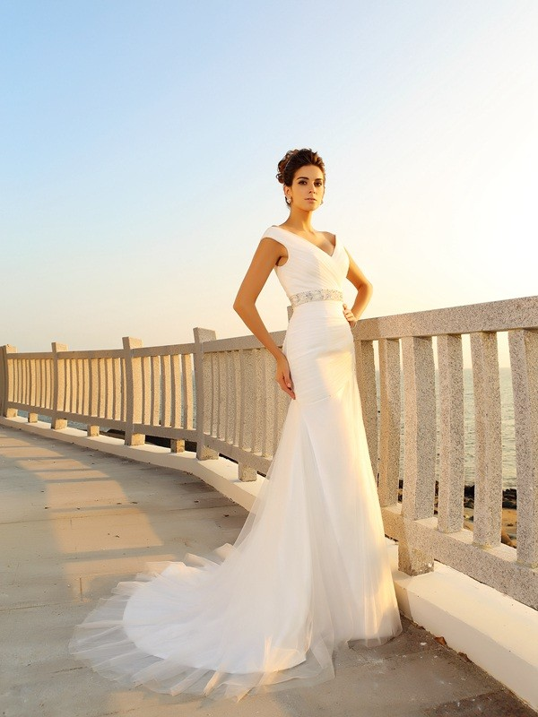 Court Train Sheath/Column V-neck Sleeveless Pleats Net Wedding Dresses