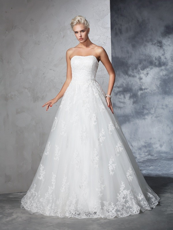 Court Train Ball Gown Strapless Sleeveless Lace Wedding Dresses