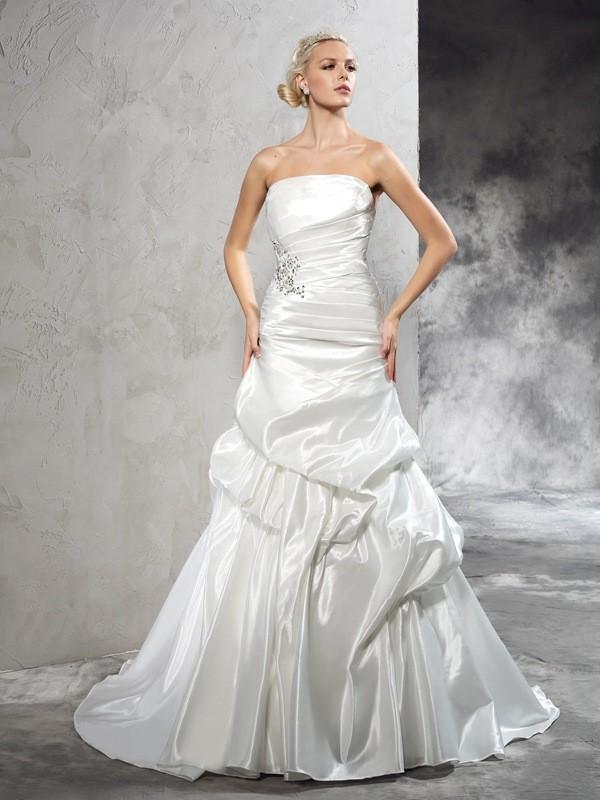 Court Train Sheath/Column Strapless Sleeveless Pleats Satin Wedding Dresses