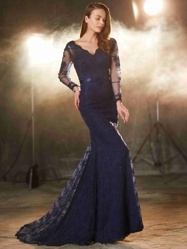 Sweep/Brush Train Trumpet/Mermaid V-neck Sleeveless Applique Lace Dresses