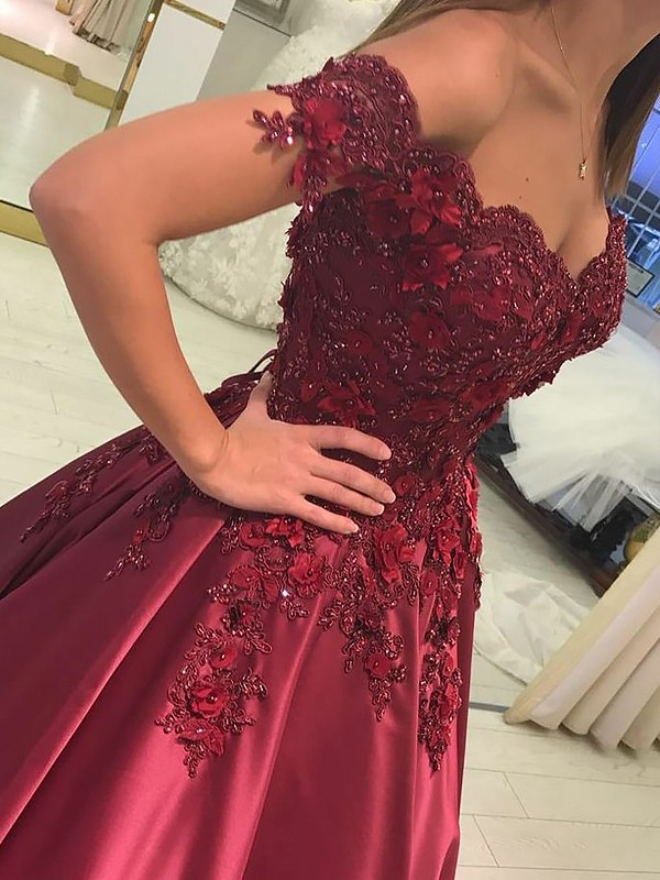 Floor-Length Ball Gown Off-the-Shoulder Sleeveless Applique Satin Dresses
