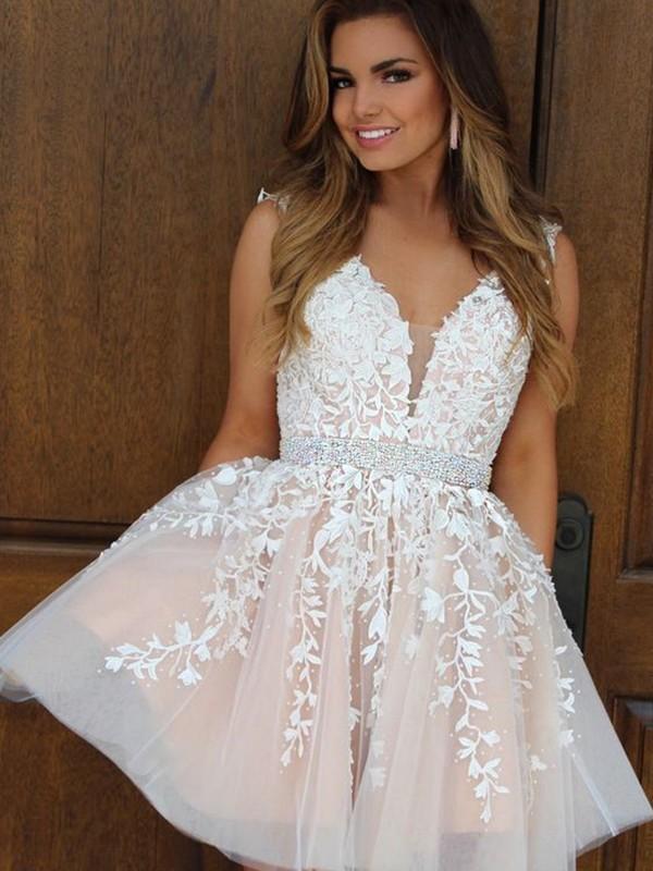 Short/Mini A-Line/Princess V-neck Sleeveless Applique Tulle Dresses