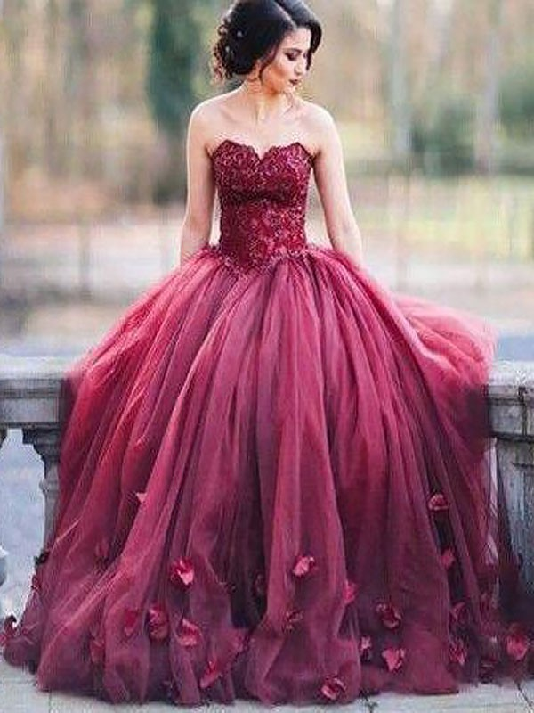 Floor-Length Ball Gown Sweetheart Sleeveless Applique Tulle Dresses