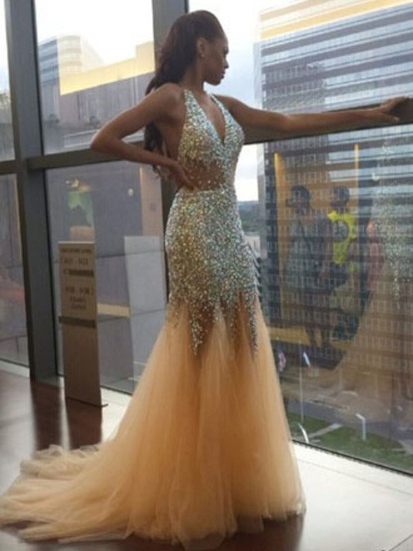 Court Train Trumpet/Mermaid Halter Sleeveless Sequin Tulle Dresses