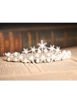 Nice Alloy Pearl Wedding Headpieces With Clear Crystals