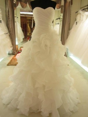 Court Train Ball Gown Sweetheart Sleeveless Ruffles Organza Wedding Dresses