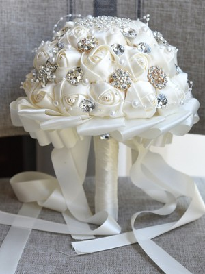 Luxurious Round Cloth Bridal Bouquets