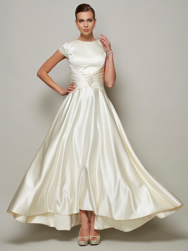 Floor-Length A-Line/Princess Scoop Short Sleeves Beading Satin Mother of the Bride Dresses