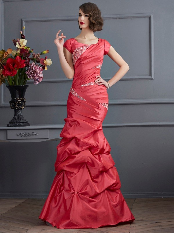 Floor-Length Trumpet/Mermaid Scoop Short Sleeves Beading Taffeta Dresses