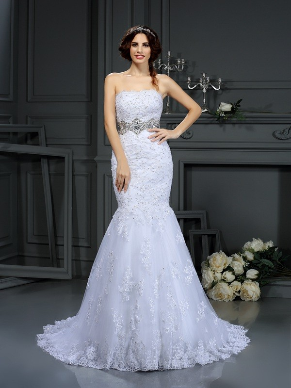 Court Train Trumpet/Mermaid Strapless Sleeveless Beading Lace Wedding Dresses