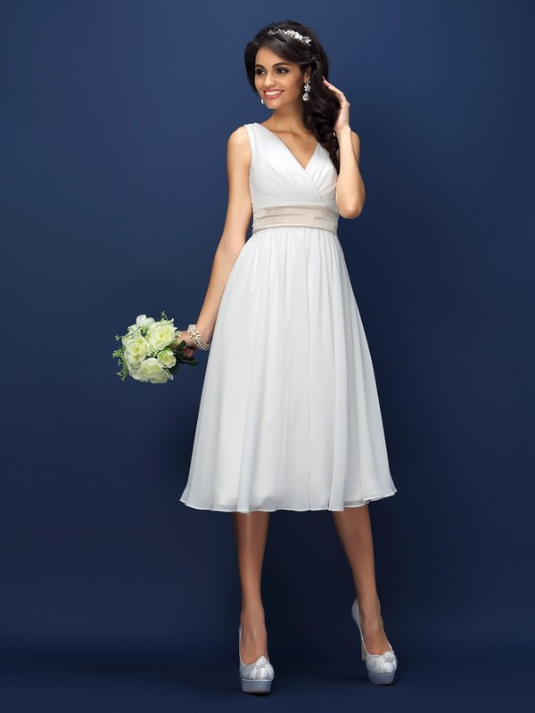 Knee-Length A-Line/Princess V-neck Sleeveless Sash/Ribbon/Belt Chiffon Bridesmaid Dresses
