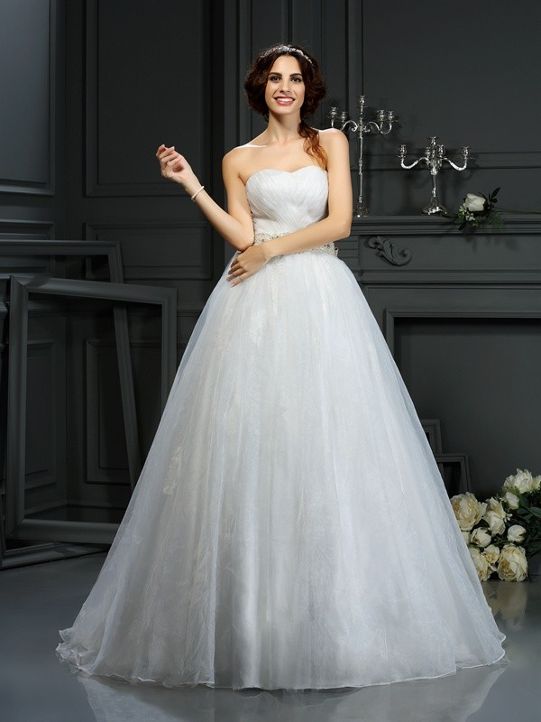 Court Train A-Line/Princess Sweetheart Sleeveless Applique Organza Wedding Dresses