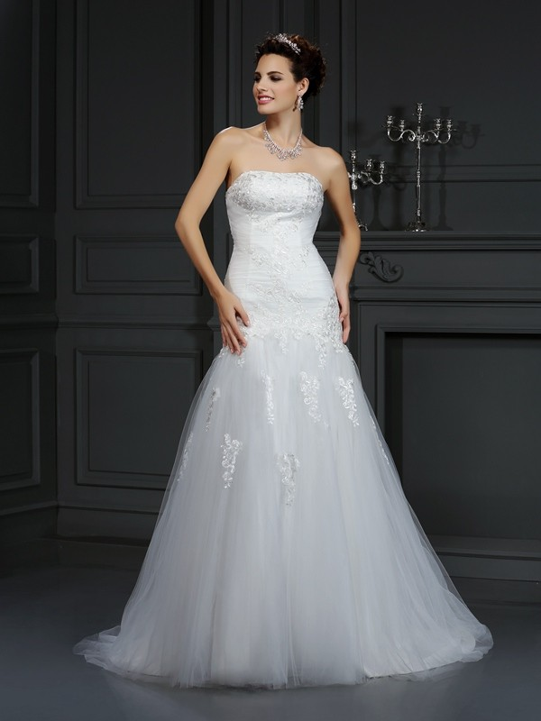 Court Train Sheath/Column Strapless Sleeveless Lace Satin Wedding Dresses