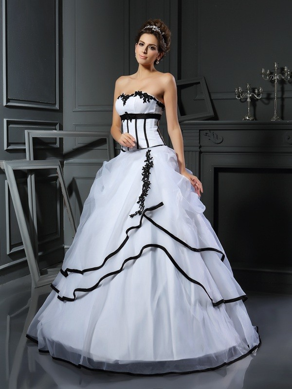 Floor-Length Ball Gown Sweetheart Sleeveless Applique Satin Dresses