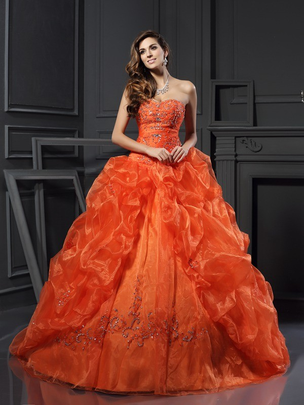 Court Train Ball Gown Sweetheart Sleeveless Beading Organza Dresses