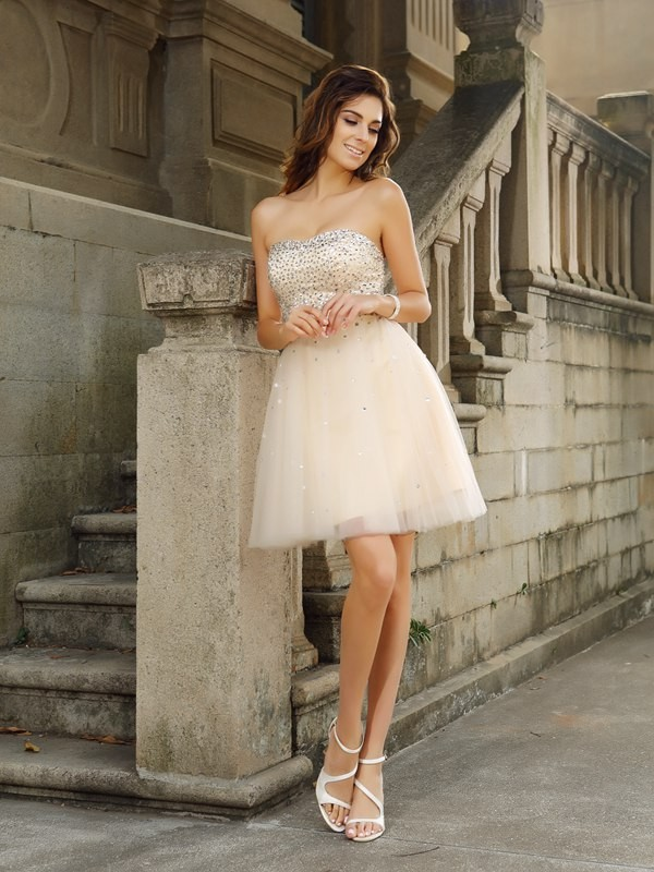 Short/Mini A-Line/Princess Strapless Sleeveless Beading Satin Dresses