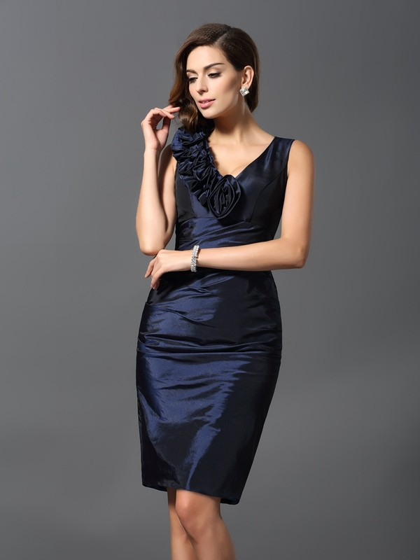 Knee-Length Sheath/Column V-neck Sleeveless Hand-Made Flower Taffeta Dresses
