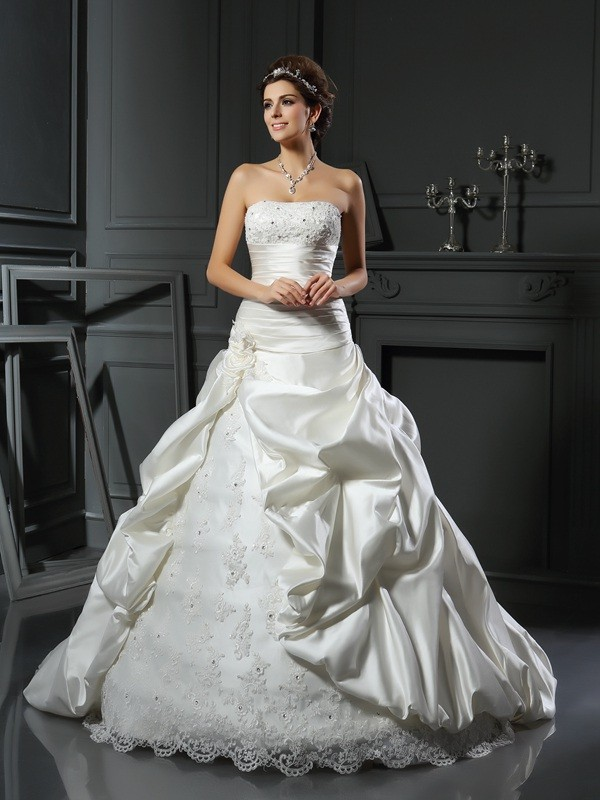 Court Train Ball Gown Sweetheart Sleeveless Beading Satin Wedding Dresses