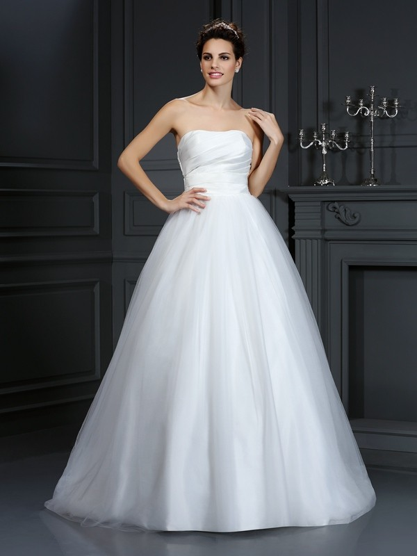 Court Train Ball Gown Strapless Sleeveless Pleats Taffeta Wedding Dresses
