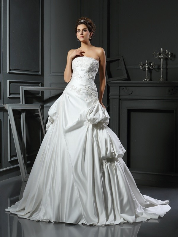 Chapel Train Ball Gown Strapless Sleeveless Applique Satin Wedding Dresses