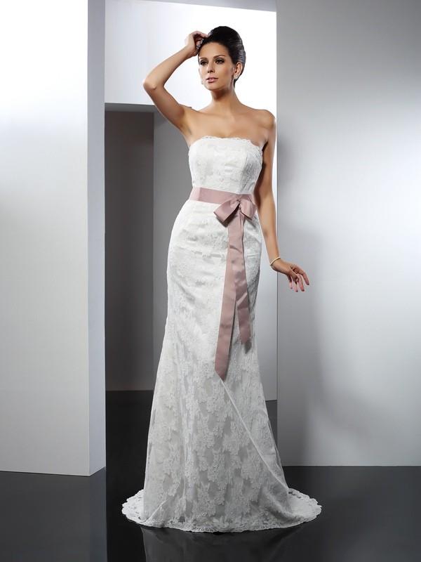Chapel Train Trumpet/Mermaid Strapless Sleeveless Lace Wedding Dresses