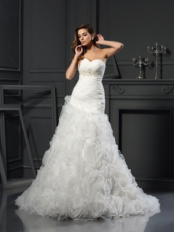 Chapel Train A-Line/Princess Sweetheart Sleeveless Beading Organza Wedding Dresses