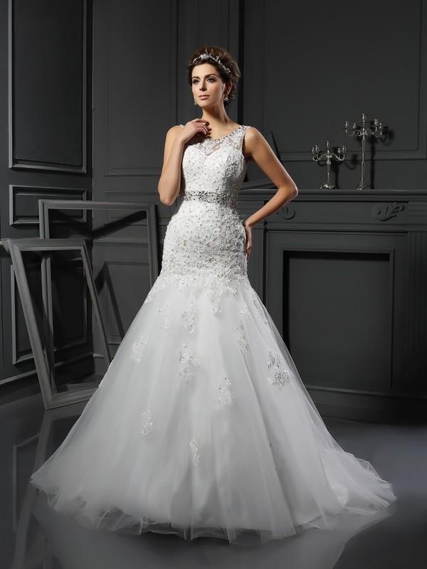 Court Train Sheath/Column Scoop Sleeveless Applique Net Wedding Dresses