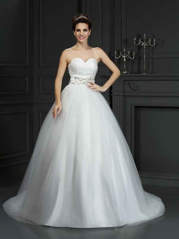 Court Train Ball Gown Sweetheart Sleeveless Beading Net Wedding Dresses