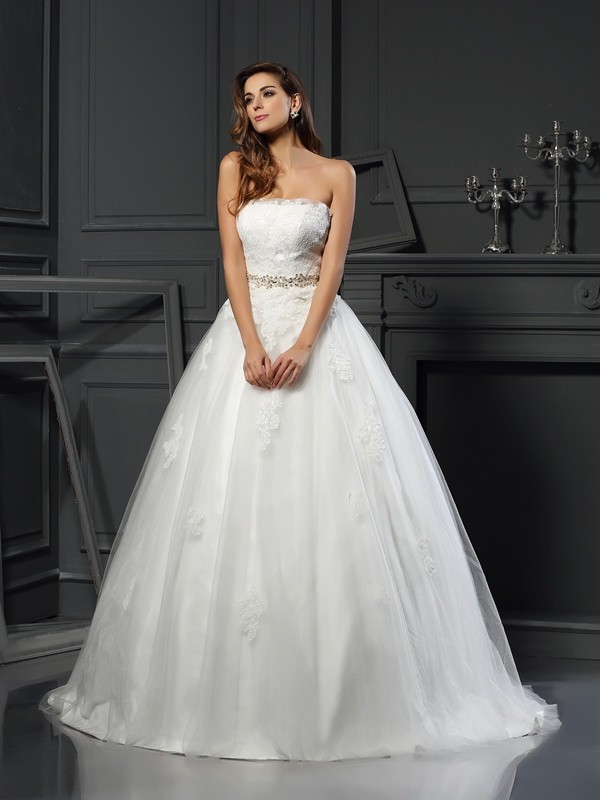 Court Train Ball Gown Strapless Sleeveless Applique Net Wedding Dresses