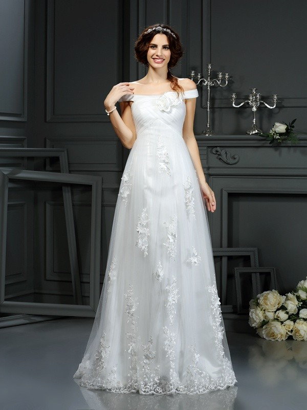 Court Train A-Line/Princess Off-the-Shoulder Sleeveless Applique Net Wedding Dresses