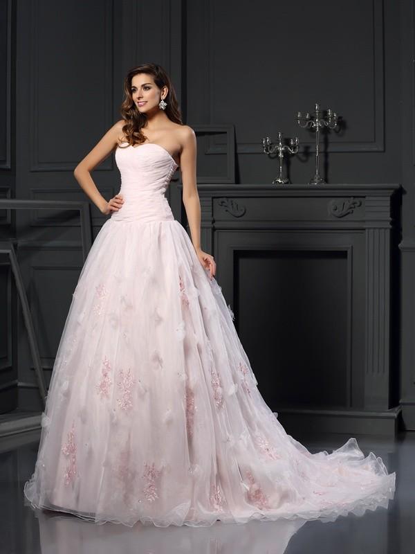 Chapel Train Ball Gown Sweetheart Sleeveless Ruffles Organza Wedding Dresses