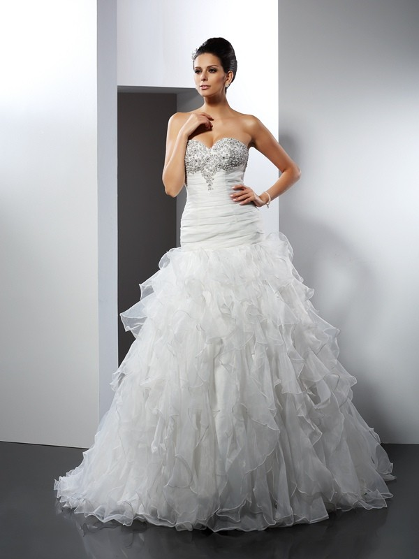 Court Train Ball Gown Sweetheart Sleeveless Ruffles Tulle Wedding Dresses