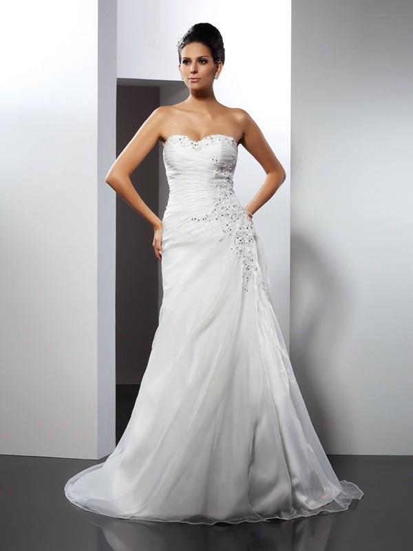 Court Train A-Line/Princess Sweetheart Sleeveless Applique Organza Wedding Dresses