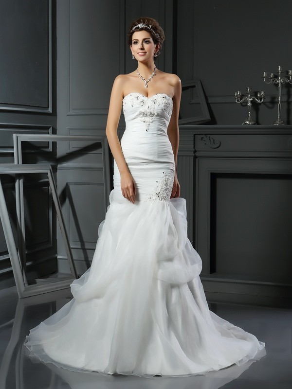 Chapel Train Trumpet/Mermaid Sweetheart Sleeveless Beading Net Wedding Dresses