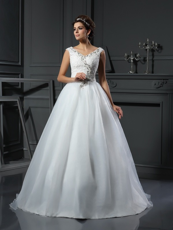 Chapel Train A-Line/Princess V-neck Sleeveless Beading Organza Wedding Dresses