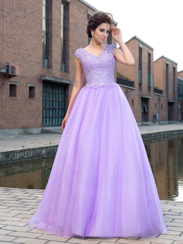Floor-Length Ball Gown V-neck Short Sleeves Applique Net Dresses