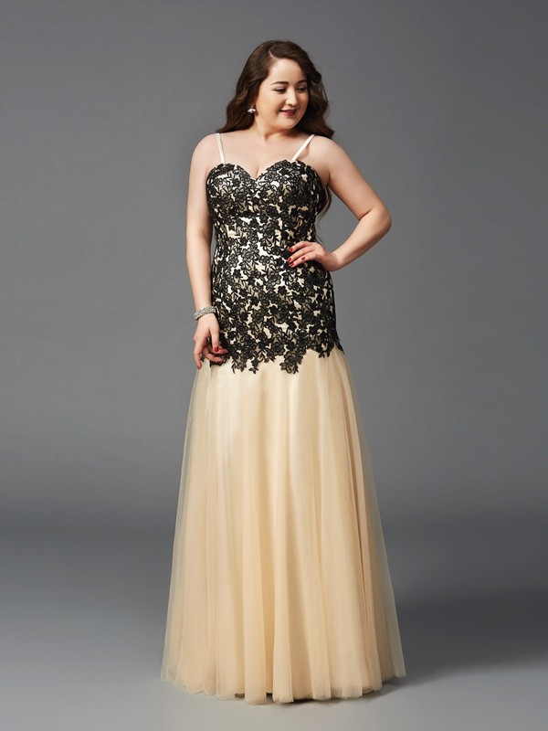 Floor-Length Sheath/Column Spaghetti Straps Sleeveless Applique Net Dresses