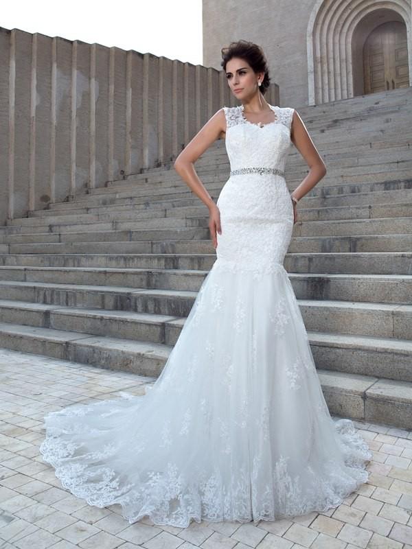 Chapel Train Trumpet/Mermaid V-neck Sleeveless Applique Lace Wedding Dresses