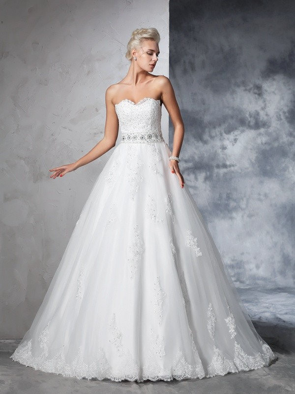 Chapel Train Ball Gown Sweetheart Sleeveless Applique Net Wedding Dresses