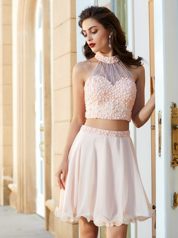 Short/Mini A-Line/Princess Halter Sleeveless Beading Chiffon Dresses