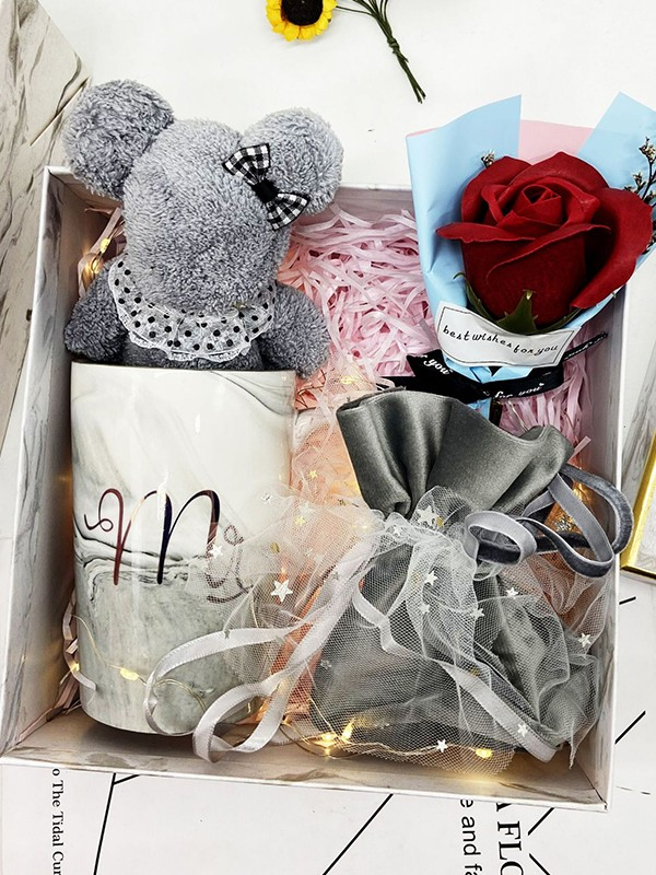 Nice Wedding Gift Box For Bridesmaid