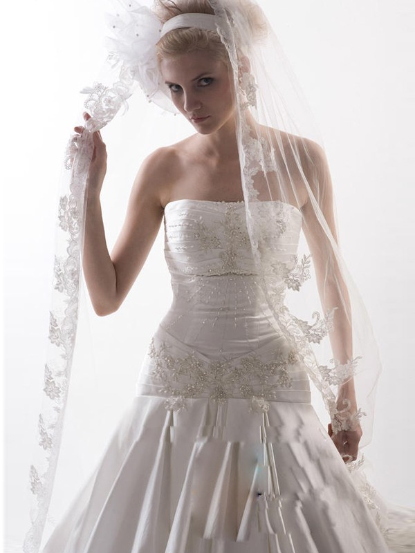 Fashion Trends Flower Tulle Wedding Veils