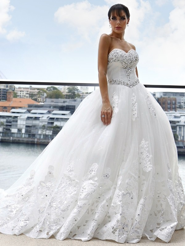 Ball Gown Tulle Sweetheart Applique Sleeveless Cathedral Train Wedding Dresses