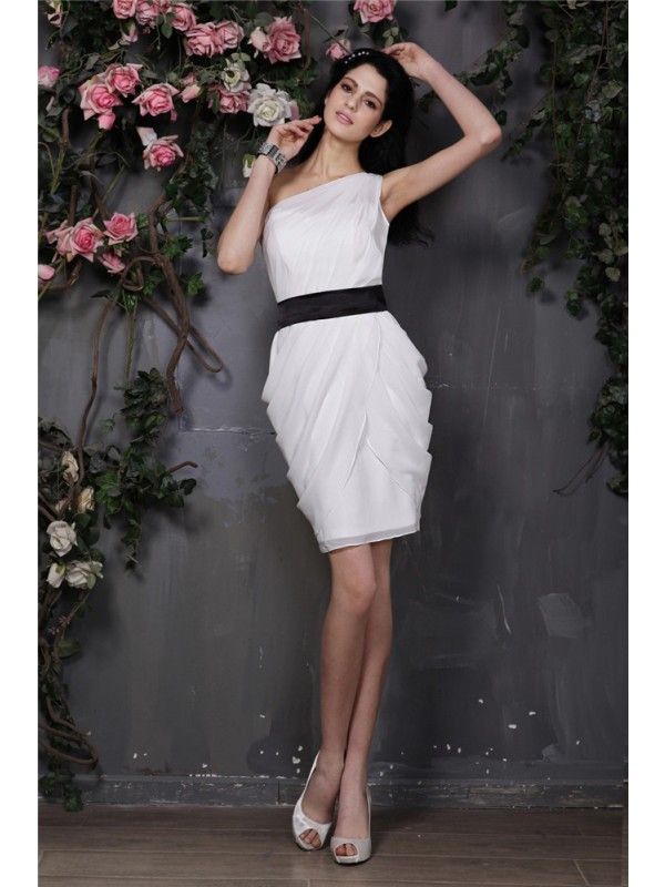 Short/Mini Sheath/Column One-Shoulder Sleeveless Pleats Chiffon Dresses