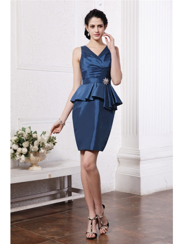 Short/Mini Sheath/Column V-neck Sleeveless Beading Taffeta Dresses