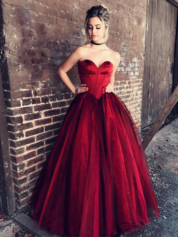 Floor-Length Ball Gown Sweetheart Sleeveless Ruffles Tulle Dresses