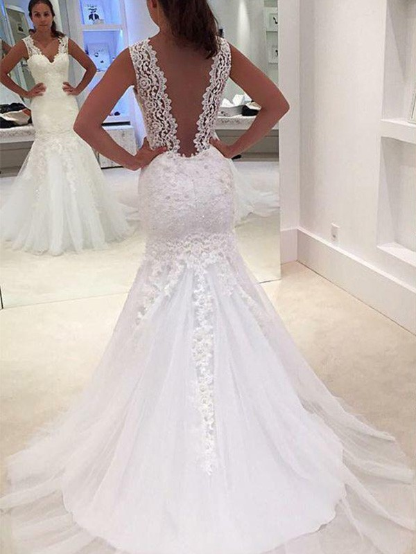 Court Train Trumpet/Mermaid Sleeveless V-neck Lace Wedding Dresses