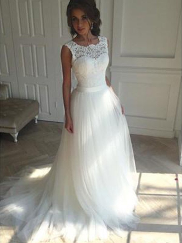 Court Train A-Line/Princess Sleeveless Square Tulle Wedding Dresses