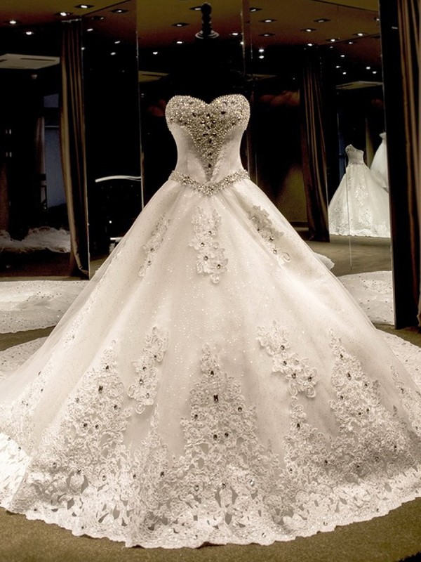 Cathedral Train Ball Gown Sleeveless Sweetheart Tulle Wedding Dresses